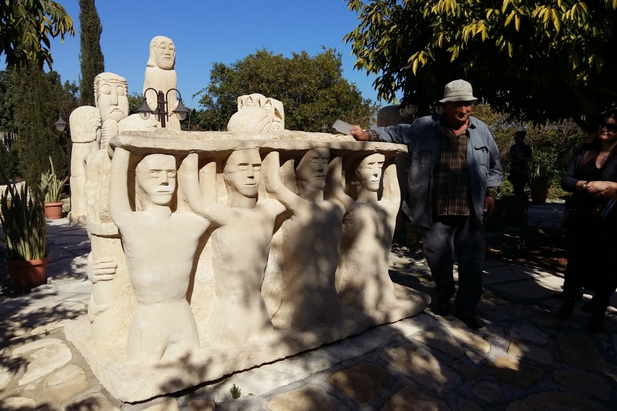 Park skulptura Petreon Larnaka Mazotos Kipar