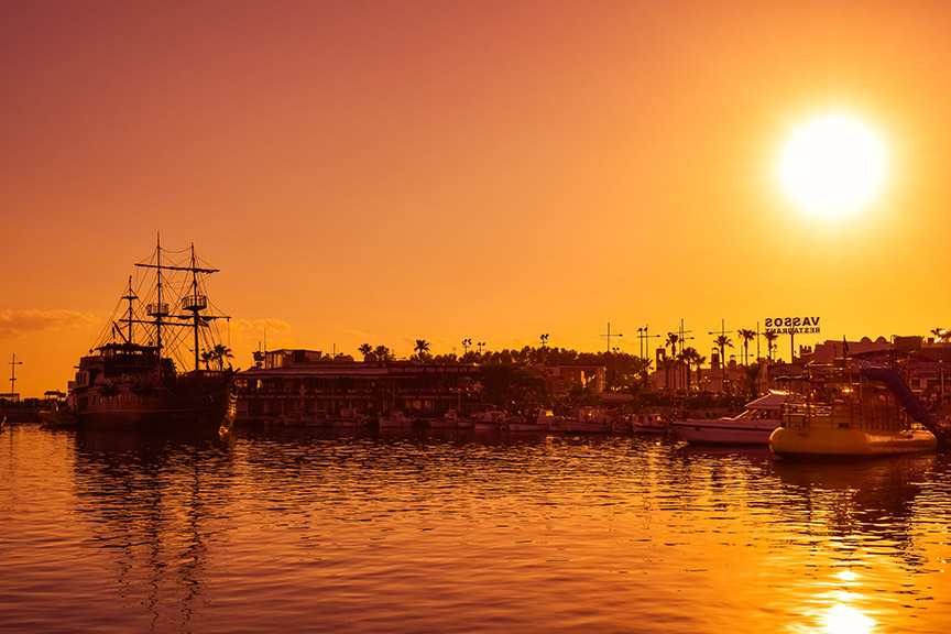 Zalazak sunca u luci Aja Nape - Moj Kipar