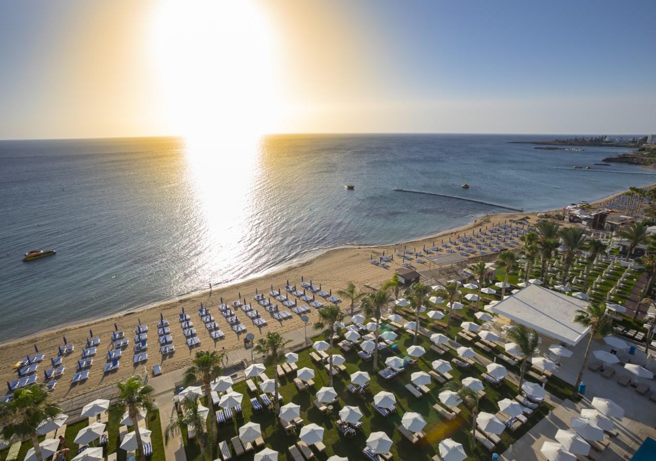 Kipar hoteli na plazi